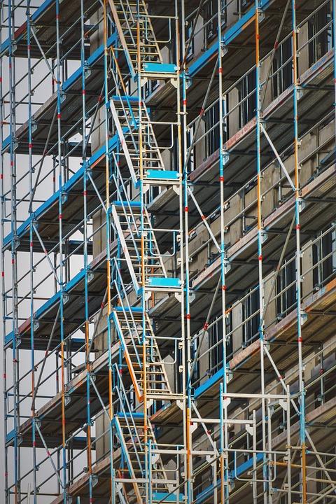 scaffolding 3679463 960 720 - Staying safe through installing Proper Scaffolding.