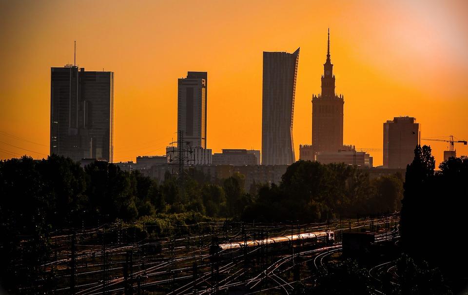 Warszawa. Dlaczego warto w niej zamieszkać?