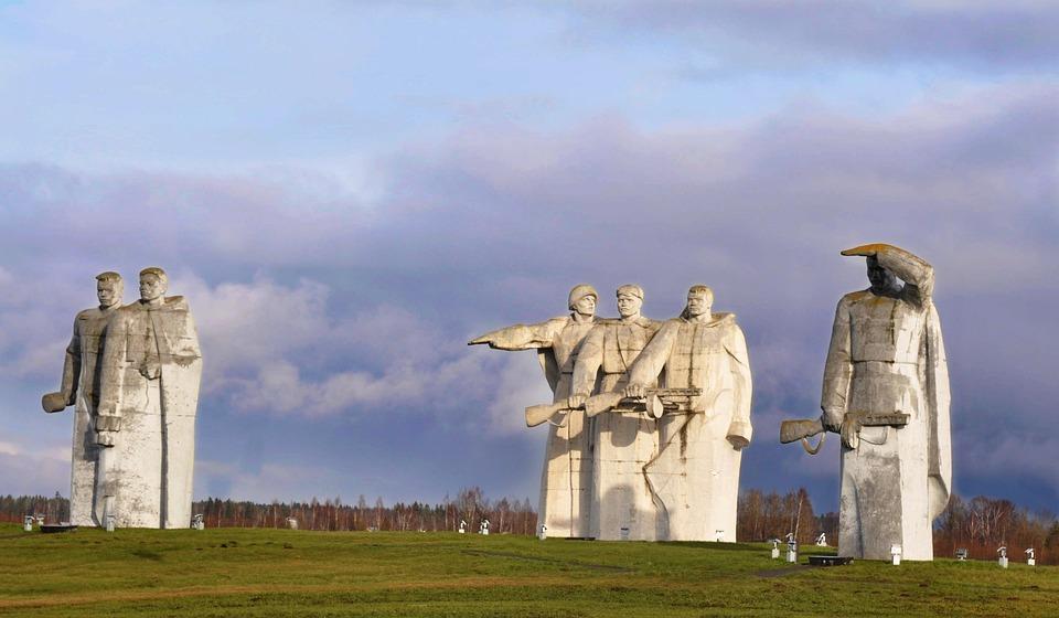 纪念碑, 28潘菲洛夫英雄, 纪念馆