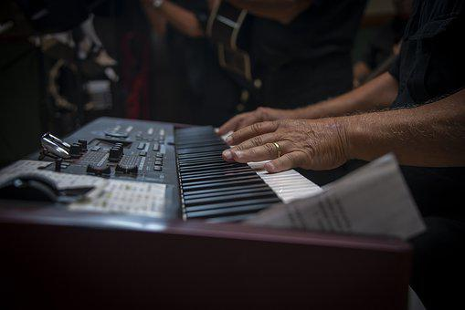 Purchasing a Used Piano and the Costs You Have To Expect to Purchase