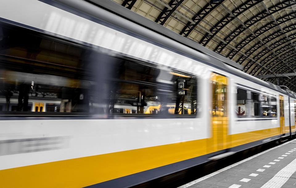 鉄道, 速度, 輸送中, プラットフォーム, 鉄道駅, 旅客列車, 鉄道システム, 交通, 通勤, 運動, 駅