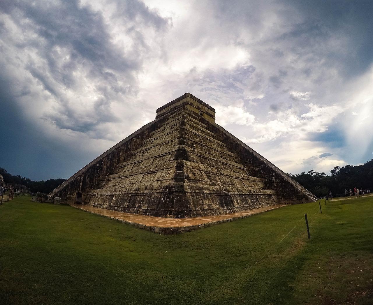 для фотографии пирамиды майя домочадцы тоже