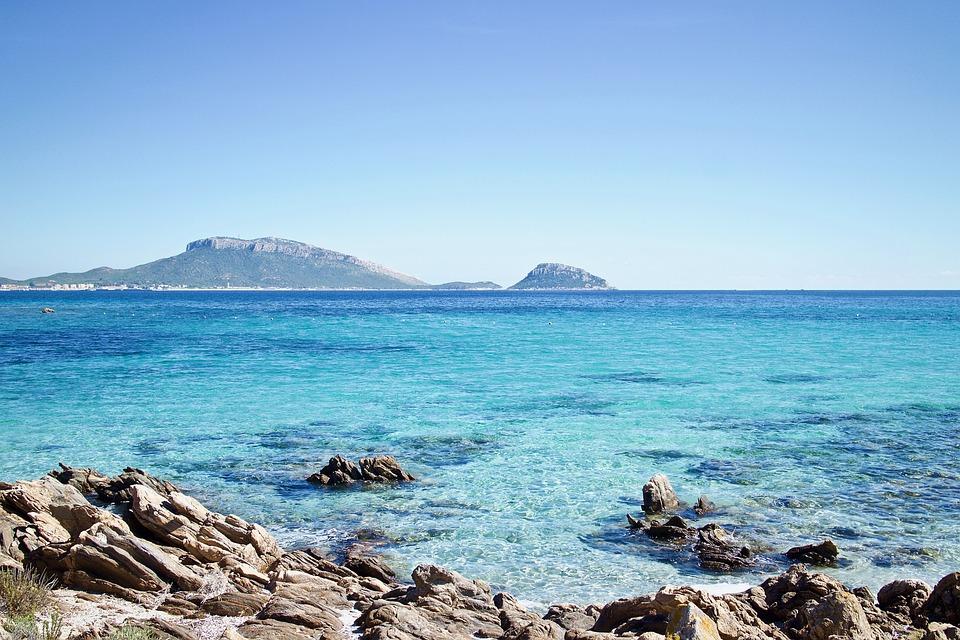 manieren om de wateren van Sardinië te verkennen
