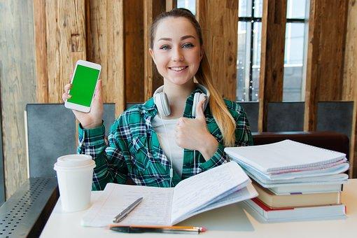 女の子, 若い, 学生, 座ります, テーブル, 図書, ノート, ペン, 研究