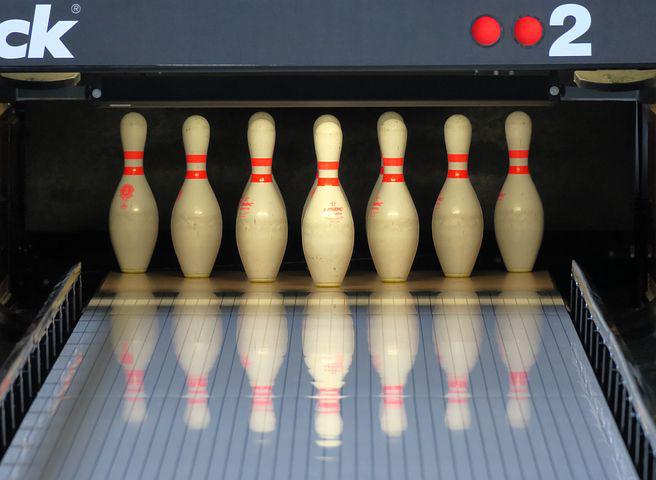 What is duckpin bowling