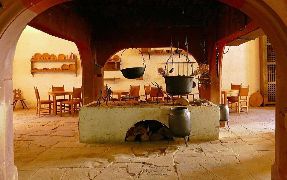 Küche, Mittelalter, Burg, Kochen, Offenes Feuer, Kessel