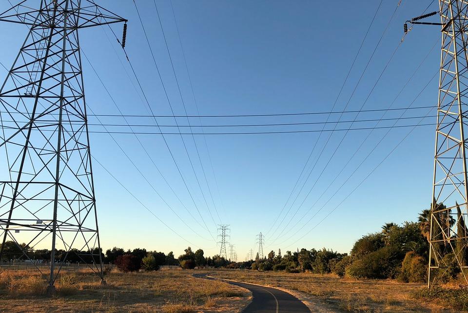SEC investiga corte de luz que afectó a más de un millón de hogares