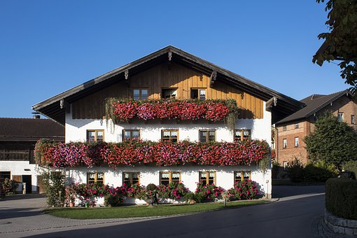 Farmhouse, Balcony, Floral Decorations