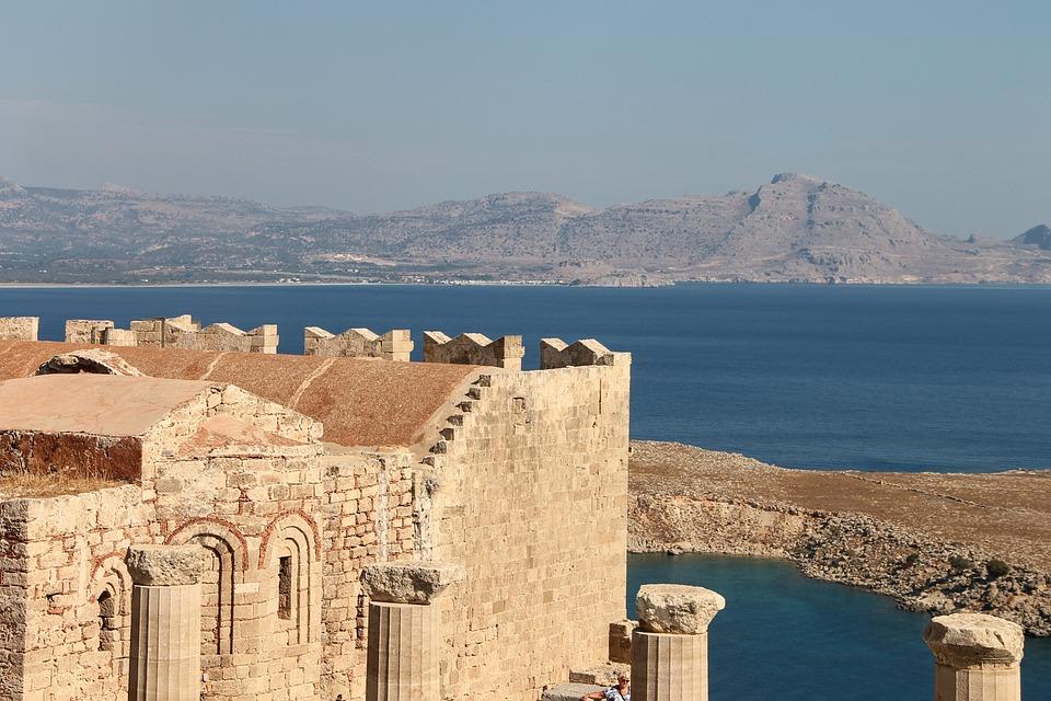 Lindos, Acropole, Rhodes, Grèce, site archéologique - 5 bibliothèques parisiennes spécialisées pour Place plume