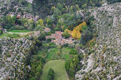 Hérault, Cévennes, Érosion, Village