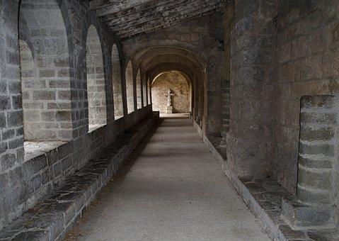 Hérault, Saint-Guilhem-Le--Désert