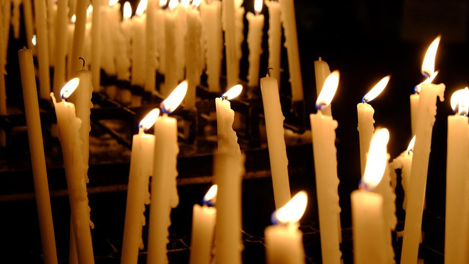 キャンドル, 教会, 祈り, 炎, 光, 宗教, 雰囲気, 信仰, 記念, キリスト教, 瞑想, 瞑想的