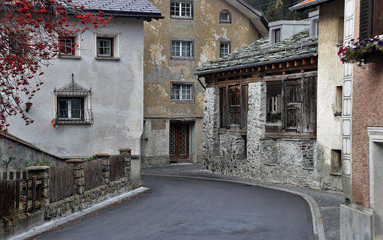 Houses, Old, The Walls Of The, Stone