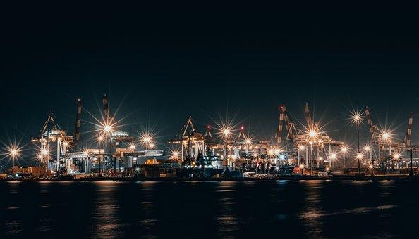 Морской порт Хайфы примет первый груз из Дубая