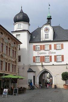 11 tolle Reiseziele in Oberbayern Stadttor Rosenheim