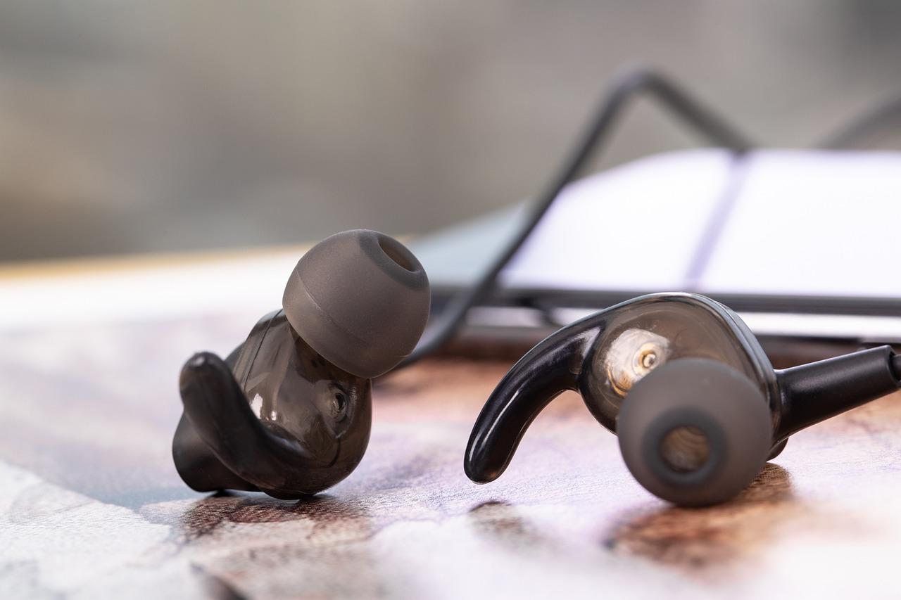 【どこでも音楽を楽しめる】防水ワイヤレスイヤホンおすすめ12選!のサムネイル画像