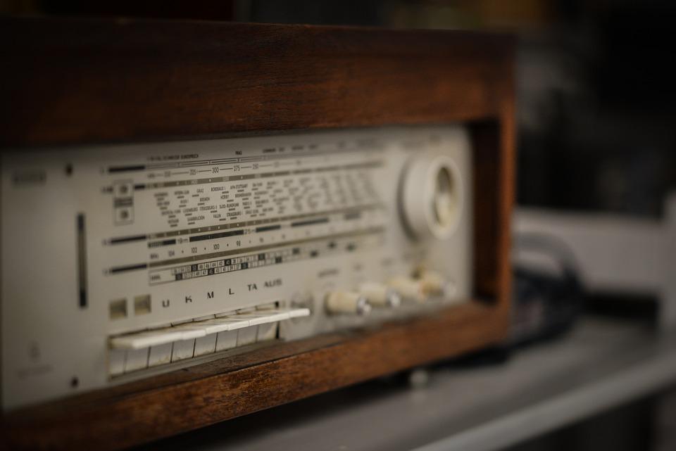 Risultato immagini per radio vintage