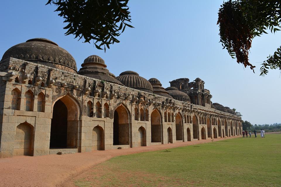 Hampi - thành cổ nổi tiếng nhất Ấn Độ