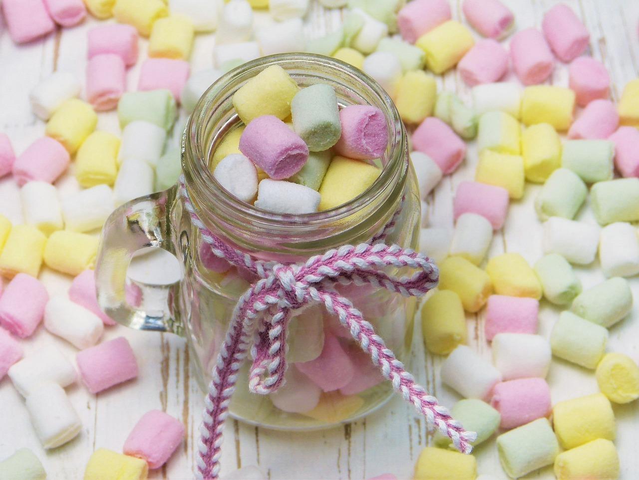 баночка с конфетами