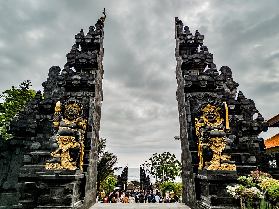 gapura di Bali
