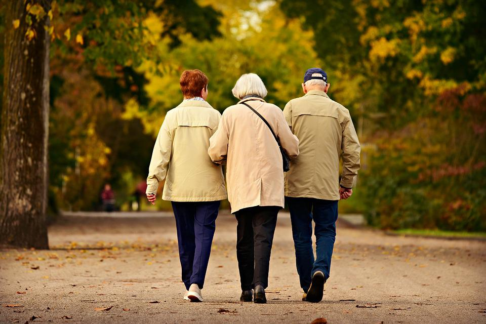 Люди, Три, Пожилые Люди, Ходьба, Вместе, Единения