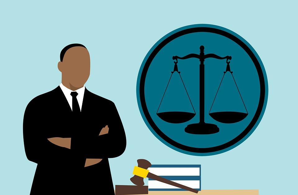 lawyer 3819044 960 720 - Hacienda bate récords en la lucha contra el fraude con una plantilla en mínimos