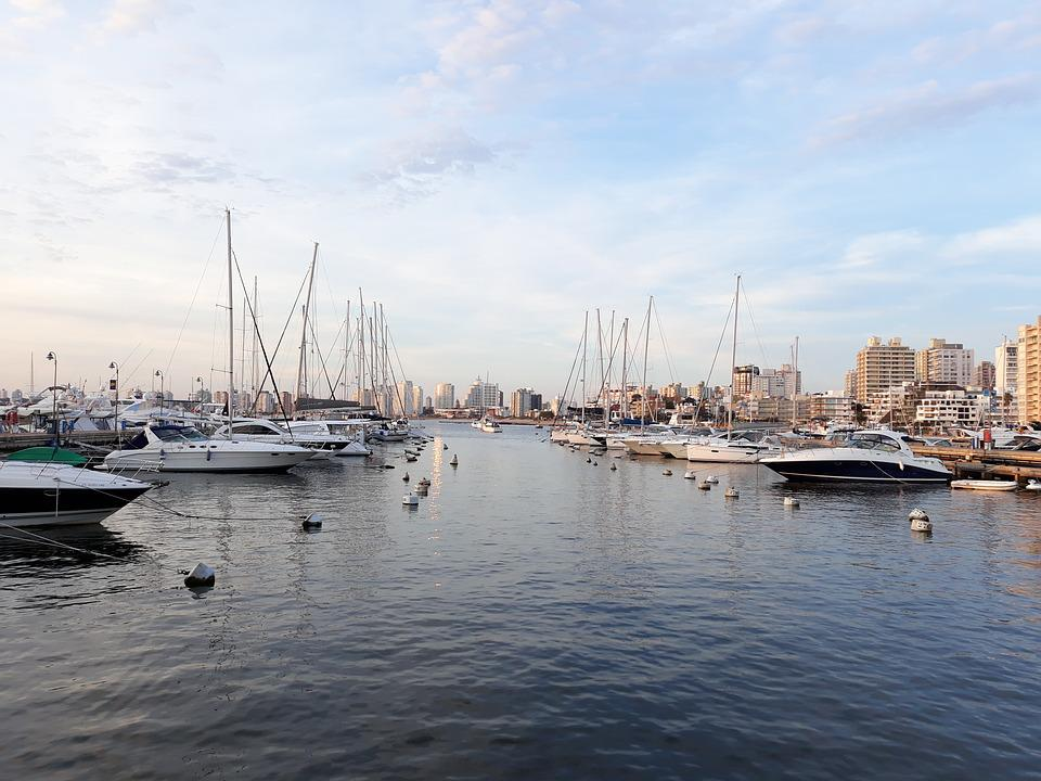 Parties, beaches, foods! Punta del Este is your place! Source: Pixabay