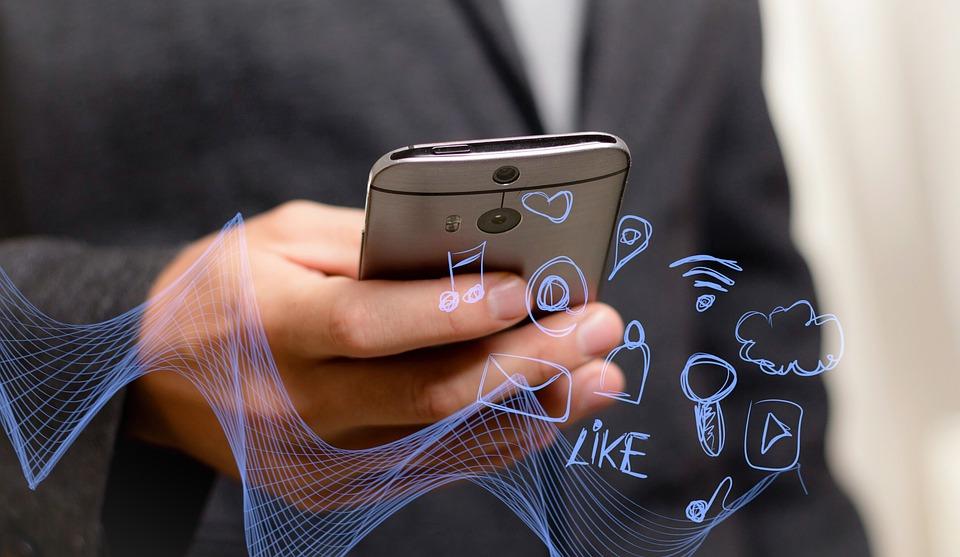 Ilustrasi ponsel android.