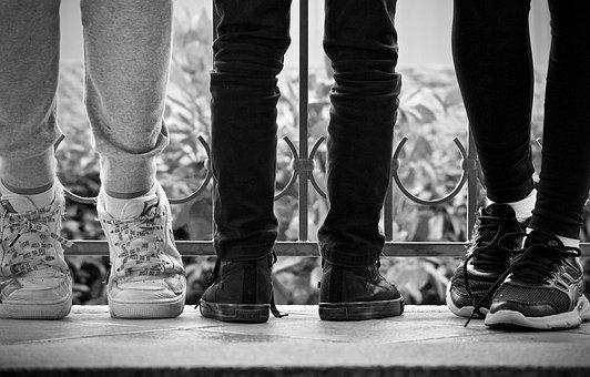靴, 足, 少年たち, 待っている, スポーツ, リラクゼーション, 若い