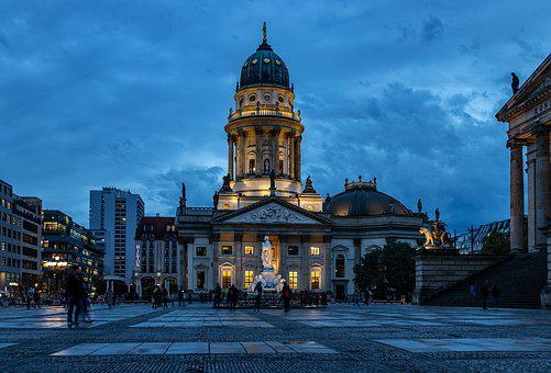 Jam Biru, Berlin, Katedral Berlin, Surga