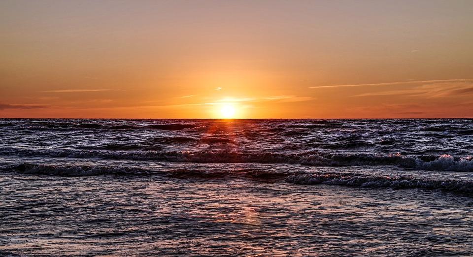 Zachód Słońca Nad Morzem, Ocean, Fale Morskie, Słońce