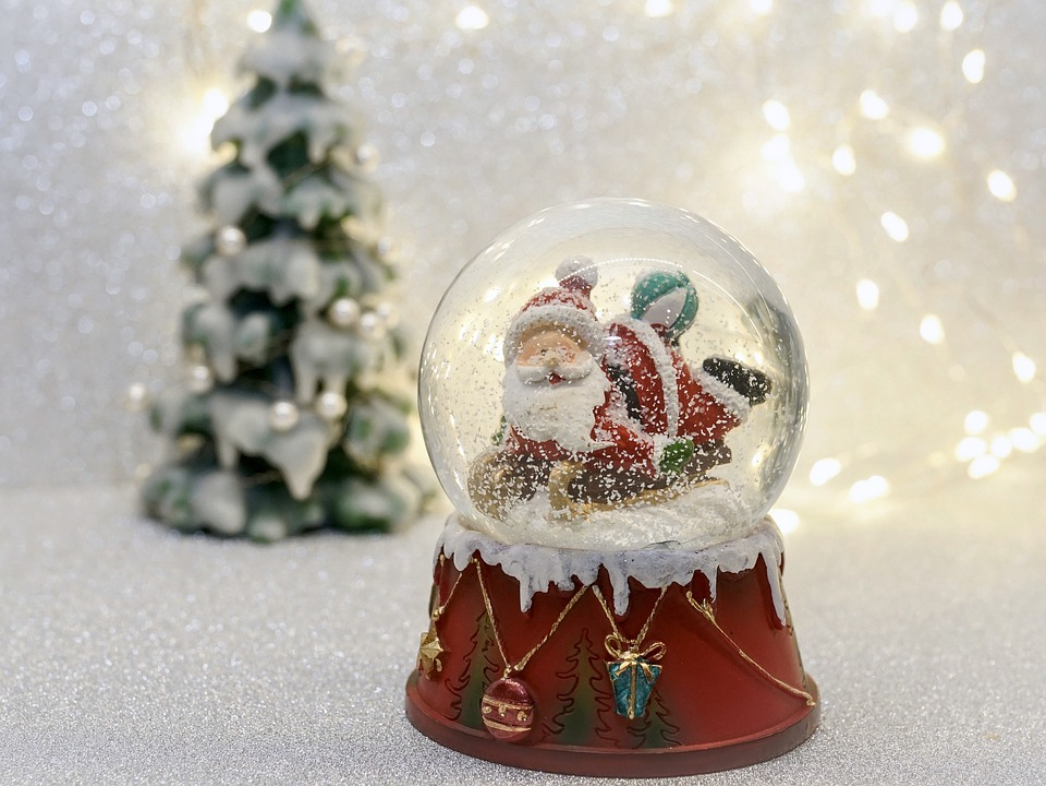 Weihnachtsdeko Schneekugel.Schneekugel Weihnachtsmann Kostenloses Foto Auf Pixabay