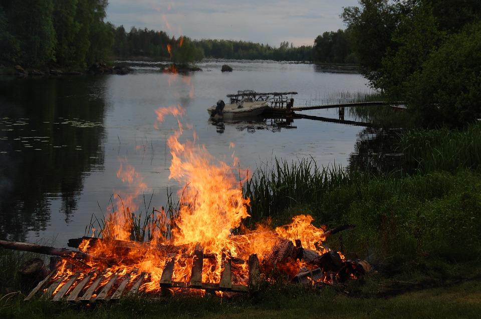 Nuotio, Kokko, Juhannus, Palo, Liekki, Kesä, Lämpöä