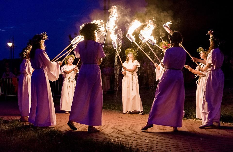 Noc Kupały, Ogień, Taniec, Ognisko, Kobiety, Światło