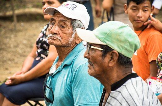 老人防癌险是如何分类的?老人防癌险哪个好?