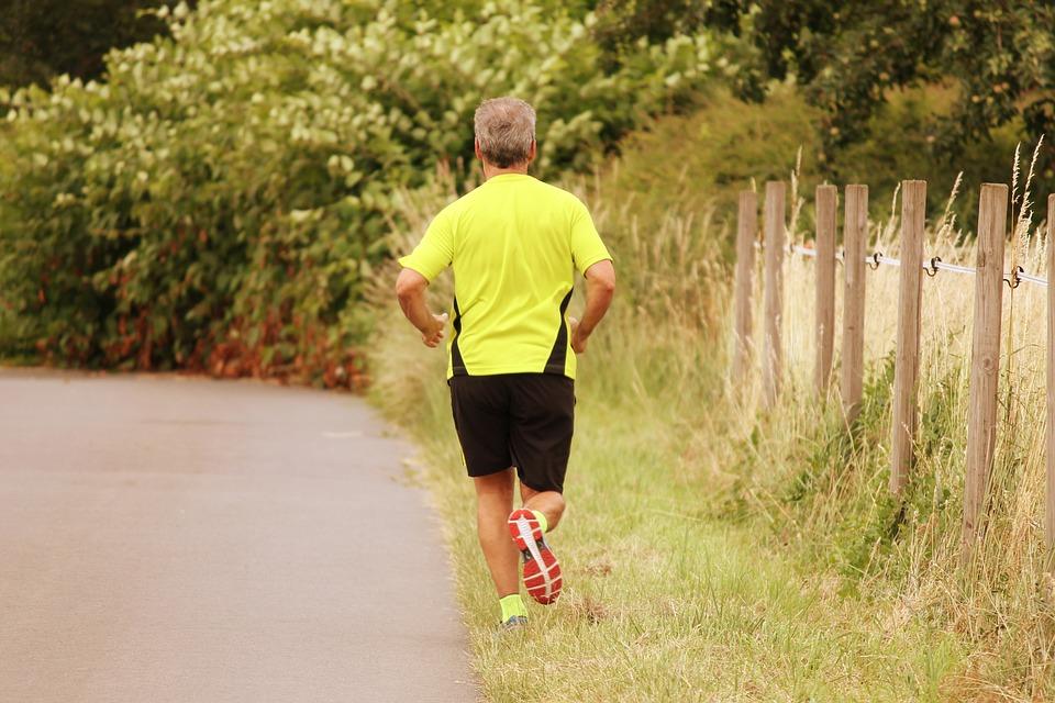 jogger jog run free photo on pixabay