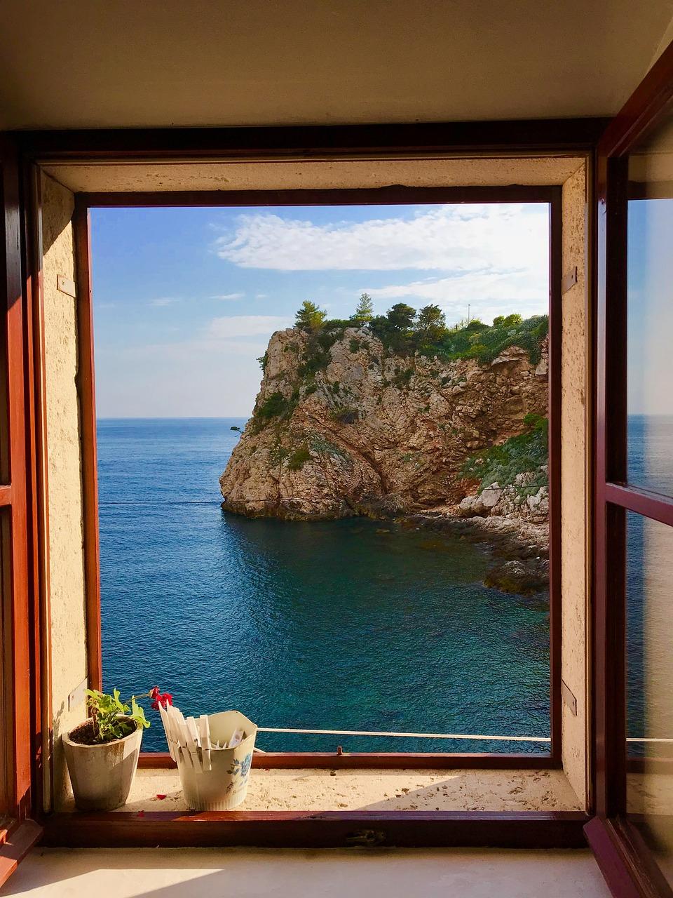 Окна на море фото