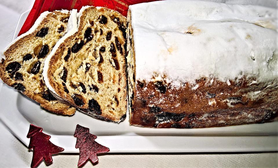 クリスマス ・ シュトーレン, クリスマスのクッキー, 酵母のビスケット, バター, レーズン, スパイス