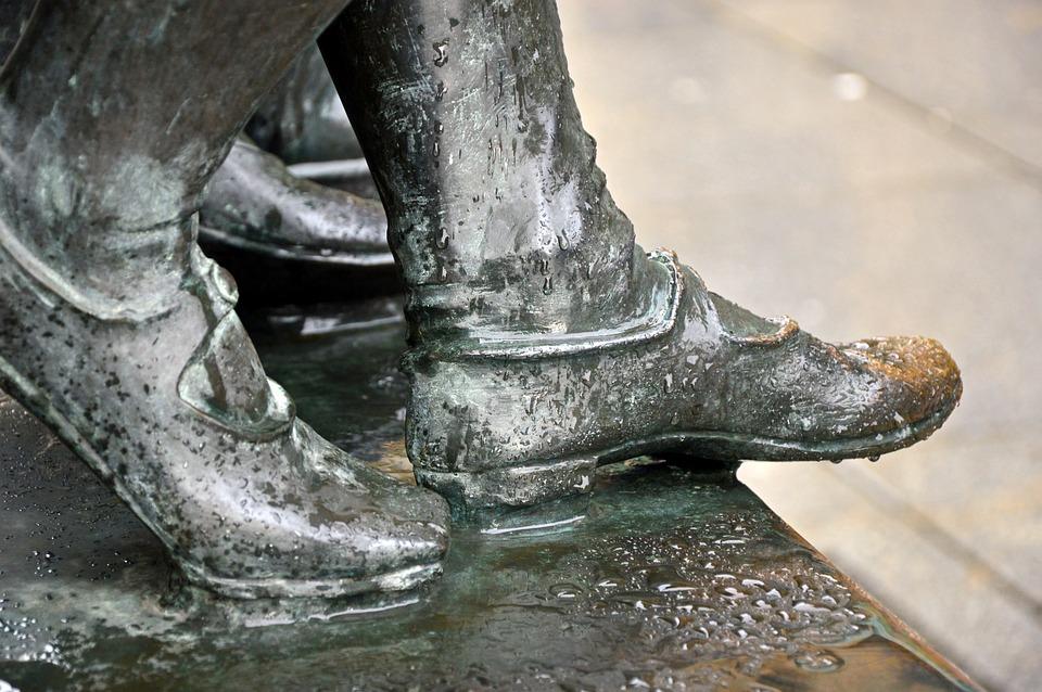 Skulptur, Fødder, Sko, Bronze, Statue, Røre, Våd, Vand