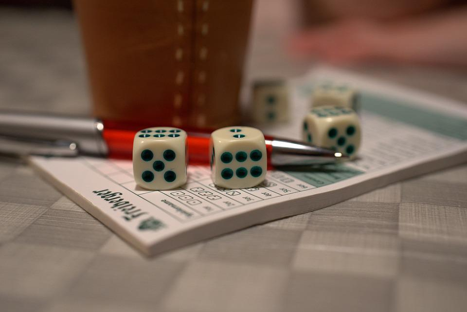 Yahtzee, Yatzy, Play, Cube, Craps, Fun, Leisure, Tricky