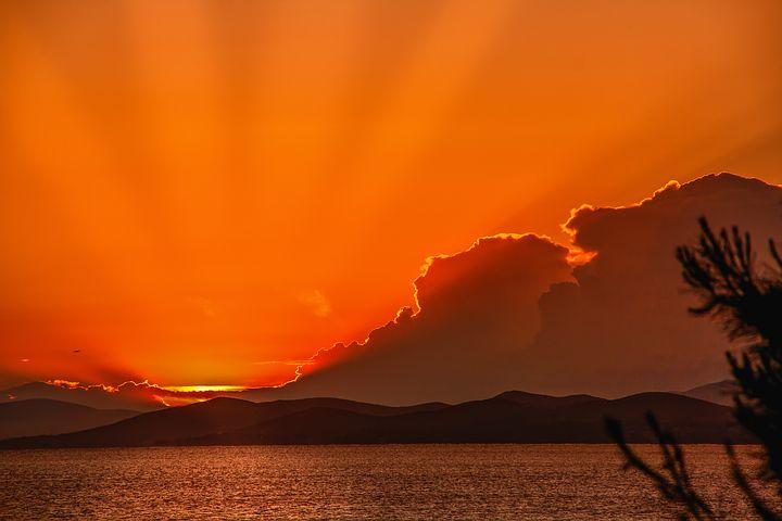 для картинки оранжевое небо оранжевое море помада определённо
