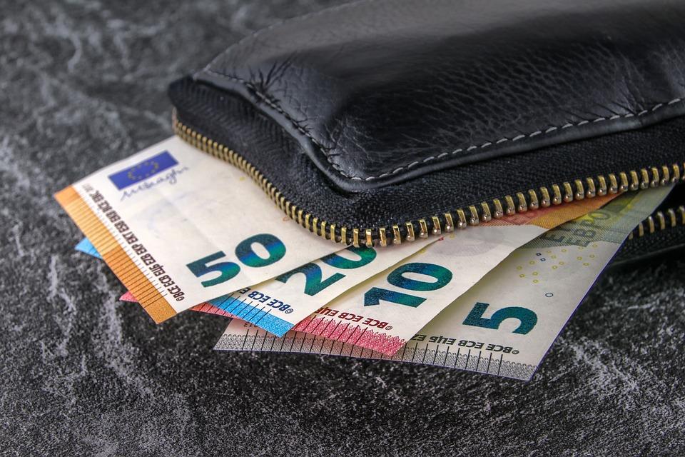 money-3918183_960_720.jpg