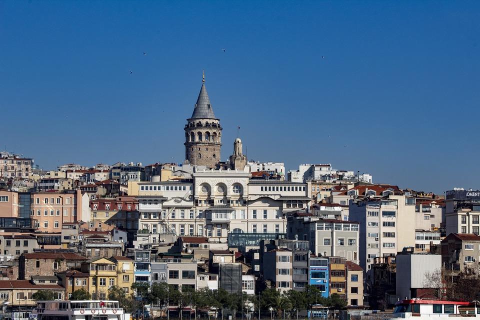 dating i Istanbul Turkiet 18 år gammal dating 28 år gammal