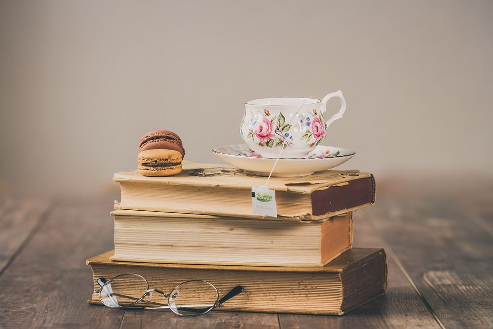庭を見渡せるカ, 紅茶, ヴィンテージ, 古い, 茶, 飲む, 朝食, レトロ, アンティーク, テーブル