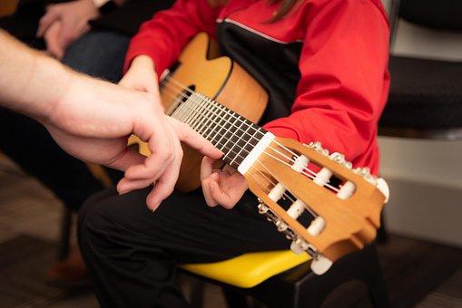 guitar-3957586__340