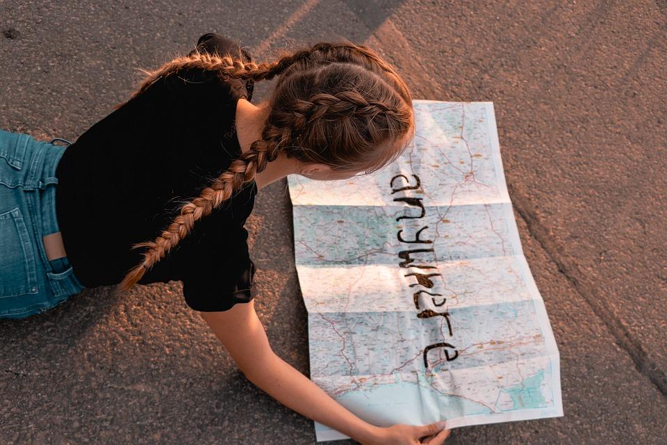 女の子, 女性, 髪, 三つ編み, 世界地図, 市街地図, 長い髪, 金髪, 旅行, アトラス, 地図