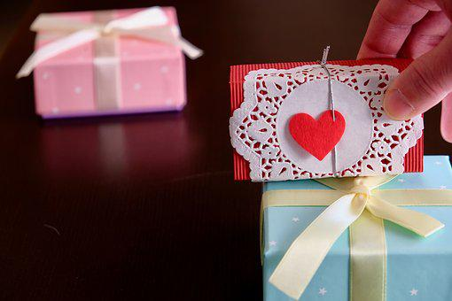 Gifts, Valentine Day, Boxes, Heart, Love,124 Free images of Chocolate Day Related Images: Chocolate Love Heart  Valentine's Day  Candy  Hot Chocolate  Romantic  Romance  Valentine  Sweet