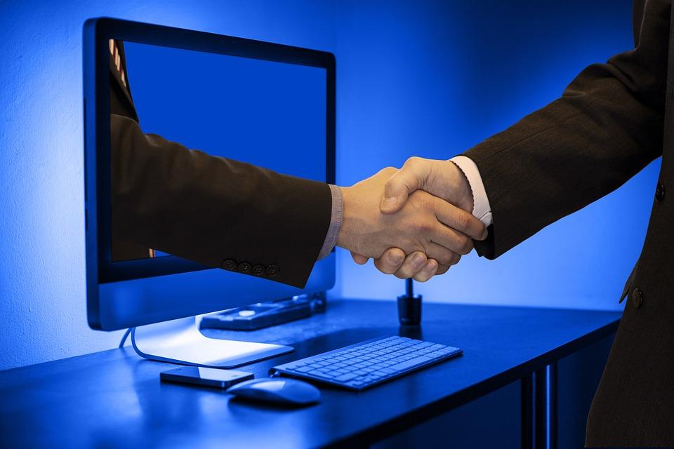 ハンドシェイク, 手, モニター, オンライン, パートナー, ビジネスマン, チーム, 協力, チームワーク