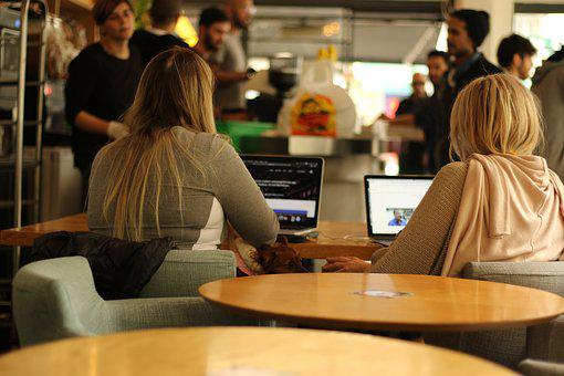 Mujeres, Estudiantes, Cafetería