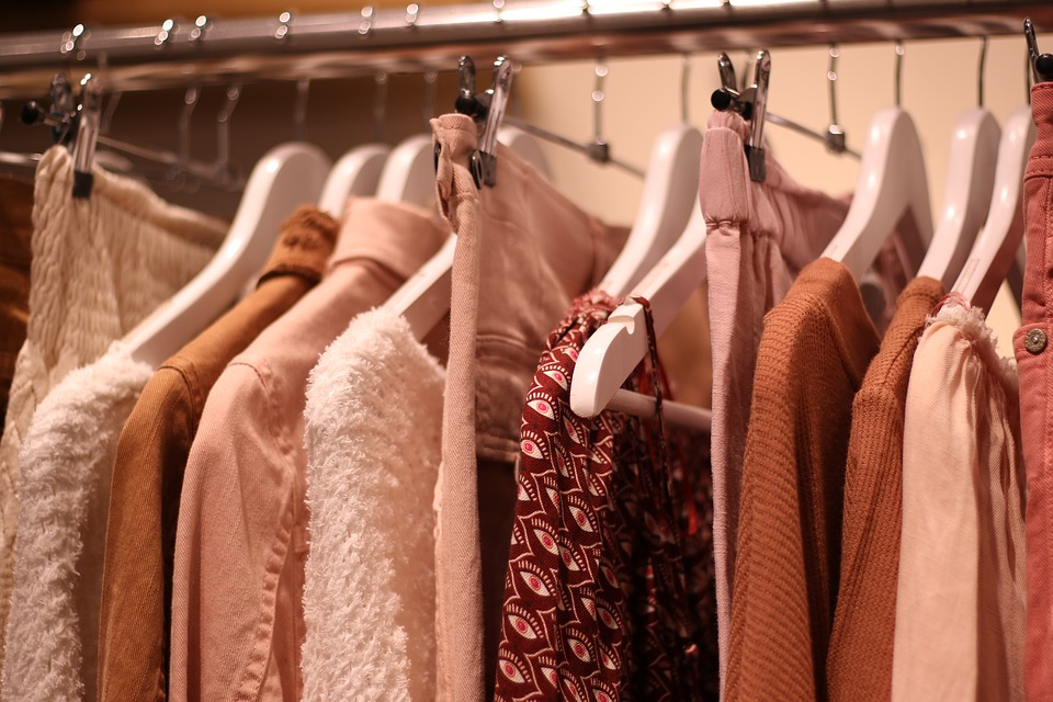 6e62ee59c clothes hangers shop shopping boutique shirts